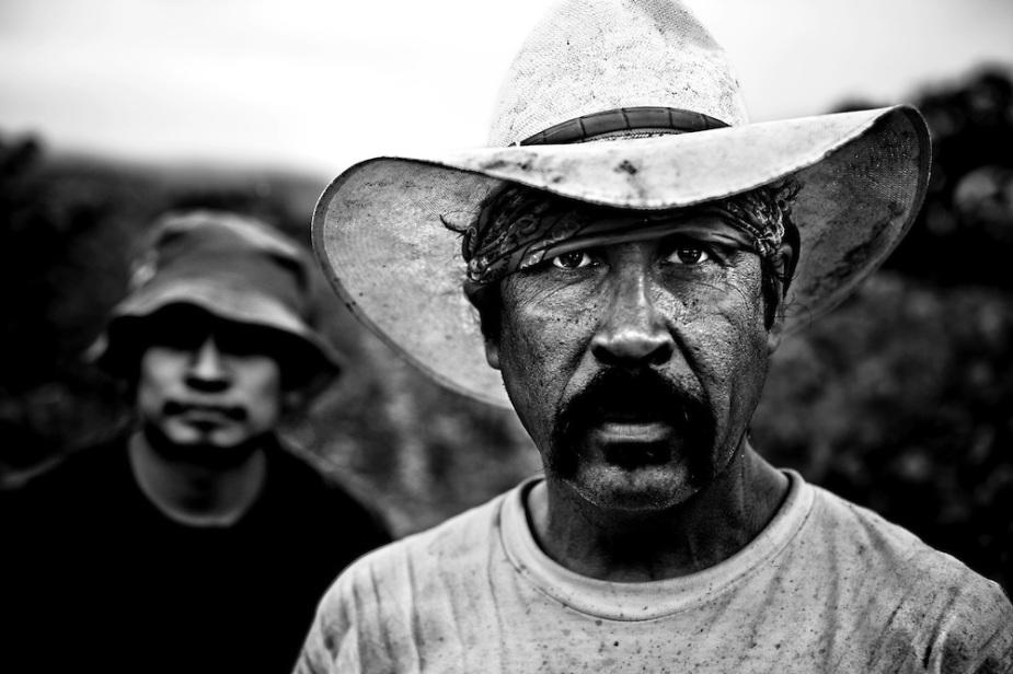 day-labor-portrait-black-white-laborers-mexican-napa-valley.jpg