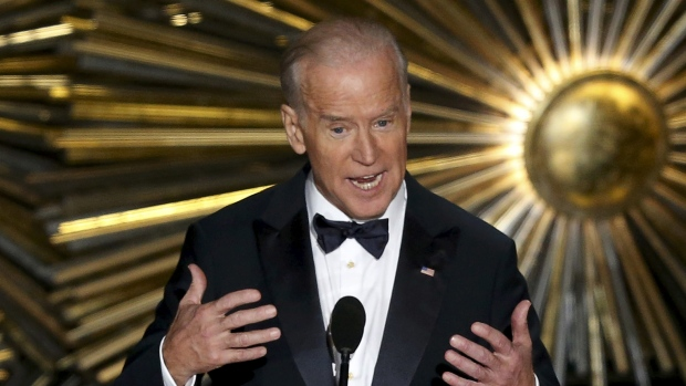 vice-president-joe-biden-introduces-lady-gaga-2016-oscars.jpg